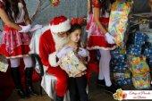 Fotos: Natal em Família - Entrega de Presente nos Bairros