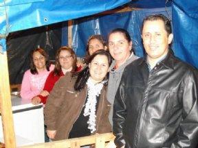 Hellen (vice- Prefeita), Fátima, Roseli, Luciaine, Luciane Chueri e o Prefeito Niltinho