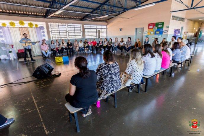 Docentes da rede municipal participam de replanejamento para o segundo semestre