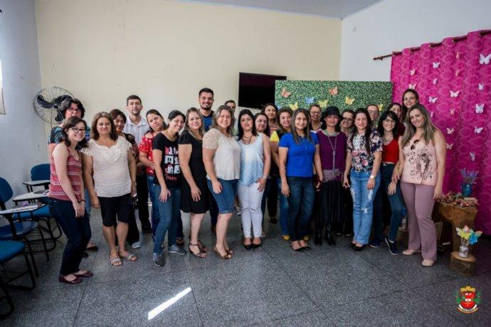 Educação realiza a Chá Literário para Professores de Língua Portuguesa