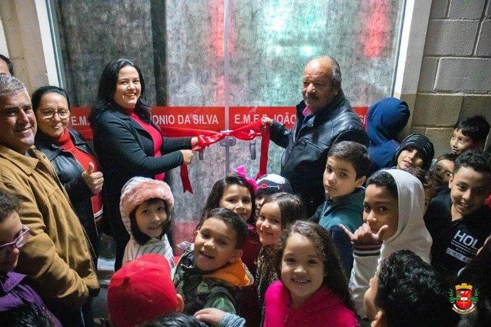 Comunidade celebra reinauguração da escola João Antonio