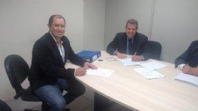 Prefeito assina convênio para Pavimentação do CDHU C.