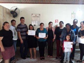 Fundo Social de Solidariedade entrega diplomas para alunas do curso de costura em malha