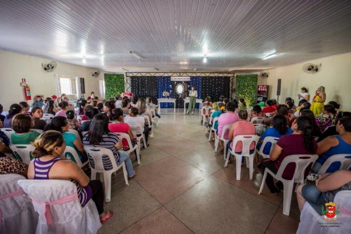 Ação conjunta realiza chá da tarde com palestras para mulheres