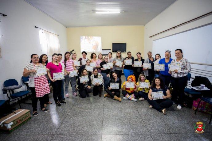 Secretaria de Educação finaliza curso para profissionais da Educação Infantil