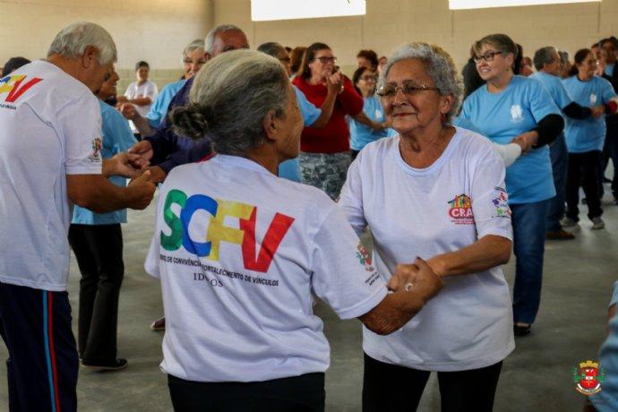 Nova Campina recebe visita do Grupo de idosos de Ribeirão Branco