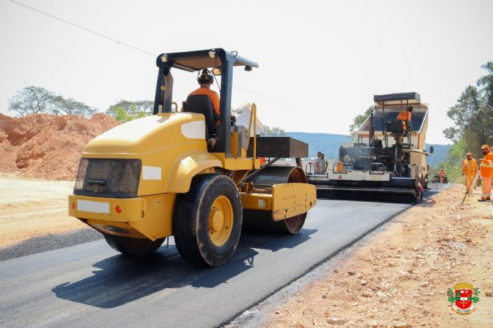 Prefeitura inicia recape da rodovia Luis José Sguario