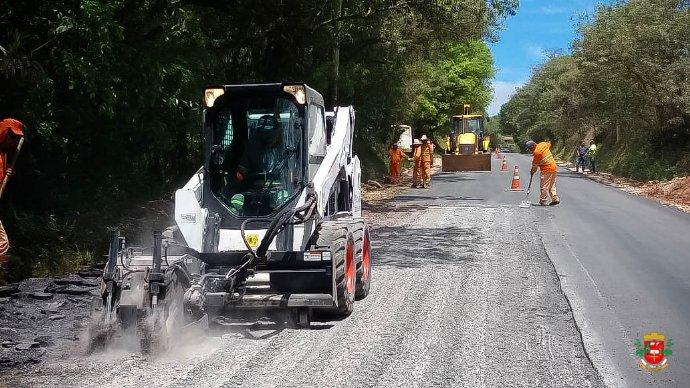 Parceria entre Prefeituras de Itapeva e Nova Campina traz melhorias ao município