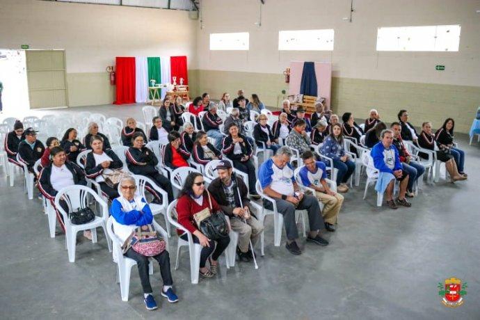 CRAS promove comemoração ao Dia do Idoso