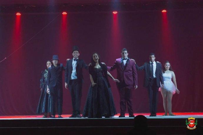 """Espetáculo """"O Fantasma da Ópera"""" é apresentado em Nova Campina"""