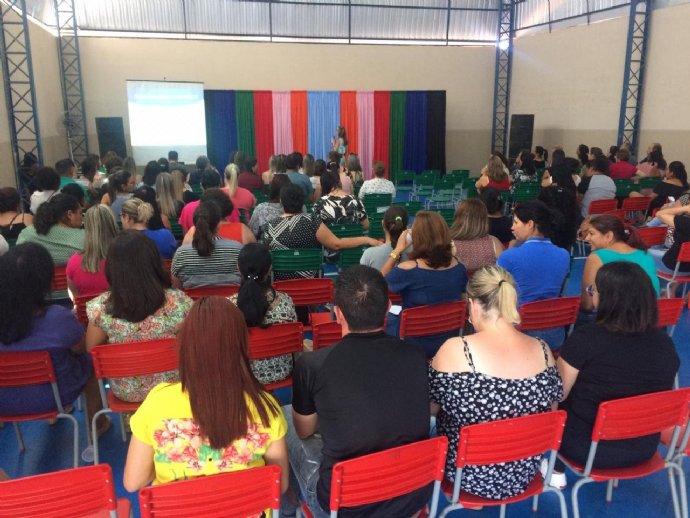 Professores da Rede Municipal de Ensino participam da semana pedagógica
