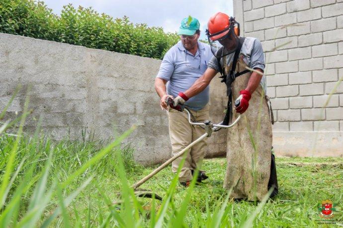 Prefeitura promoveu Curso de operação e manutenção de roçadora lateral