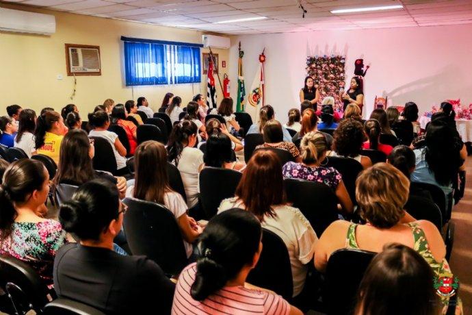 Administração faz homenagem ao Dia Internacional da Mulher