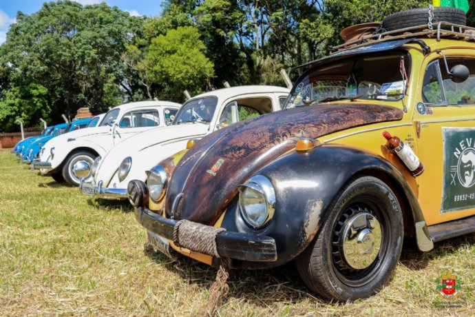 Nova Campina recebe 2° Encontro de veículos antigos