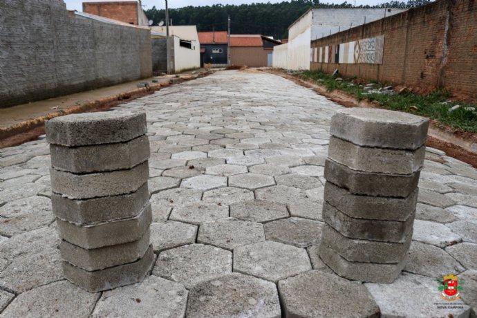 Prefeitura inicia pavimentação na Rua Rubens Osvaldo Monegatto