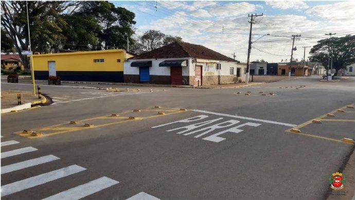 Ruas no centro recebem pintura e sinalização de solo