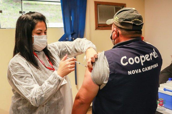 Nova Campina imuniza catadores de materiais recicláveis contra a Covid-19
