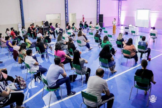 Secretaria de Educação promove palestra no Dia Internacional da Alfabetização