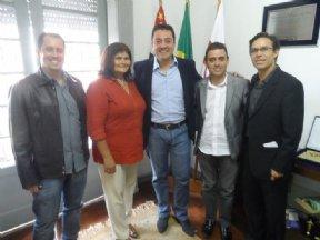 Prefeito e vereadores estiveram com o Deputado Federal Eli Correa Filho.