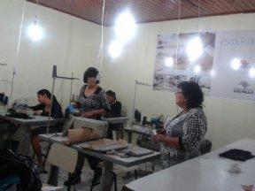 Fundo Social de Nova Campina em parceria com a Escola de Moda oferece o curso de alta costura.
