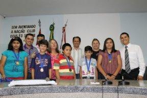 Entrega da Medalha aos alunos destaque da rede municipal de ensino