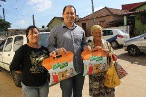 A Elektro beneficia clientes de Nova Campina com a troca de lâmpadas mais econômicas.